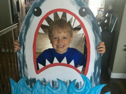 【夏の保育環境】ジョーズ(サメ)をテーマにした保育環境と製作