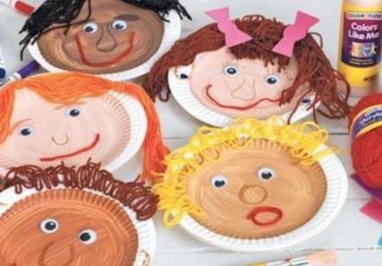 【保育製作】いろんな素材で自画像製作!子どもの多様性にも対応しやすい海外の製作アイディア