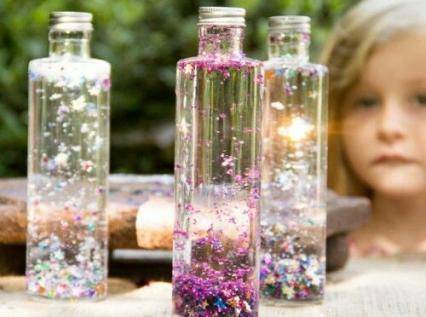【手作り玩具】赤ちゃんの五感発達「センサリーボトル」のアイディアまとめ