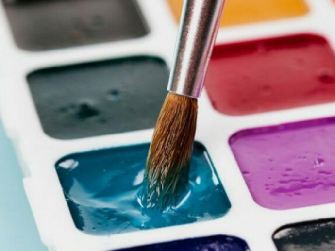 【保育の知識】絵の具の「筆」の特徴と適した使い方