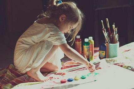 【5歳児】絵の具を使った混色遊び