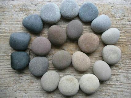 【夏の保育制作】石を使った保育製作